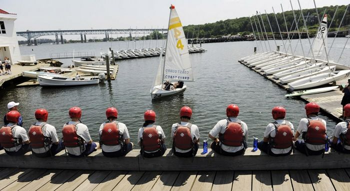 Sailing lessons for Coast Guard swabs, Photo 2 of 7
