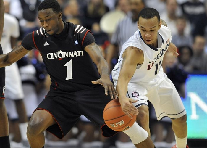 UConn men fall to Cincinnati 70-67 , Photo 1 of 7