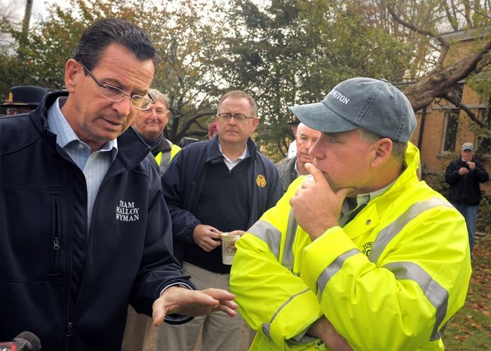 Governor Malloy tours area, Photo 1 of 8