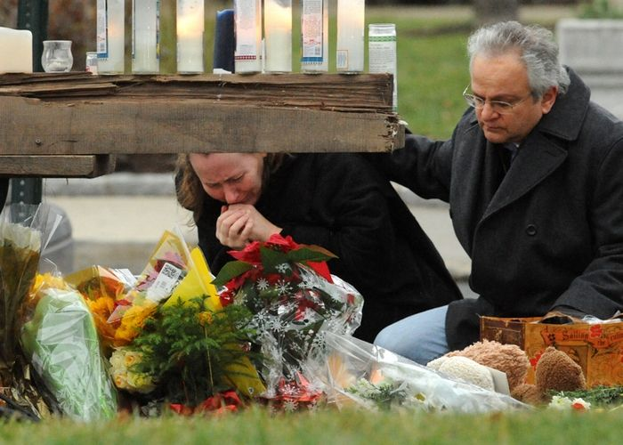 Grieving and sadness in Newtown, Photo 1 of 13