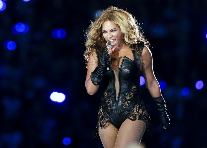 Beyonce Rocks the Superdome, Photo 1 of 7