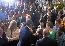 Obama presses gun violence agenda in Hartford