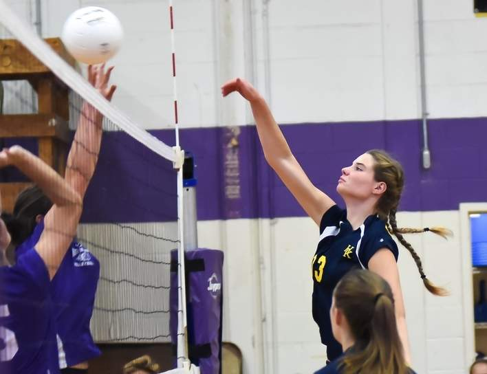 Sophomore Emily Jennings has found her way into the starting lineup for a young HK volleyball team that sits atop the Shoreline Conference standings with a 12-0 record.  Photo by Kelley Fryer/The Source