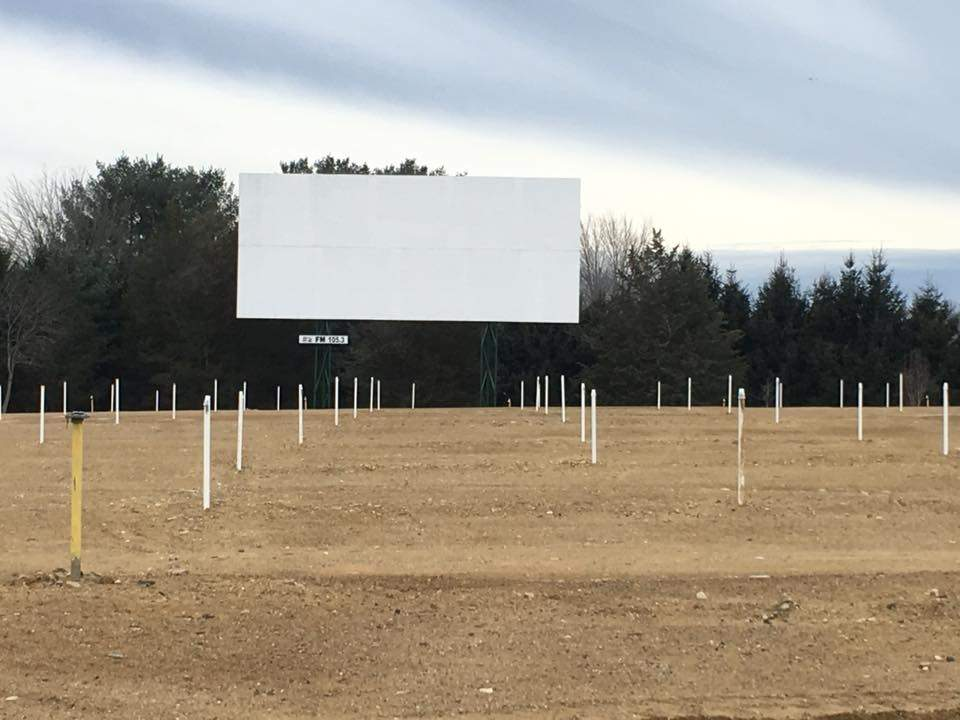 Photo courtesy of Mansfield Drive-in Theatre & Marketplace