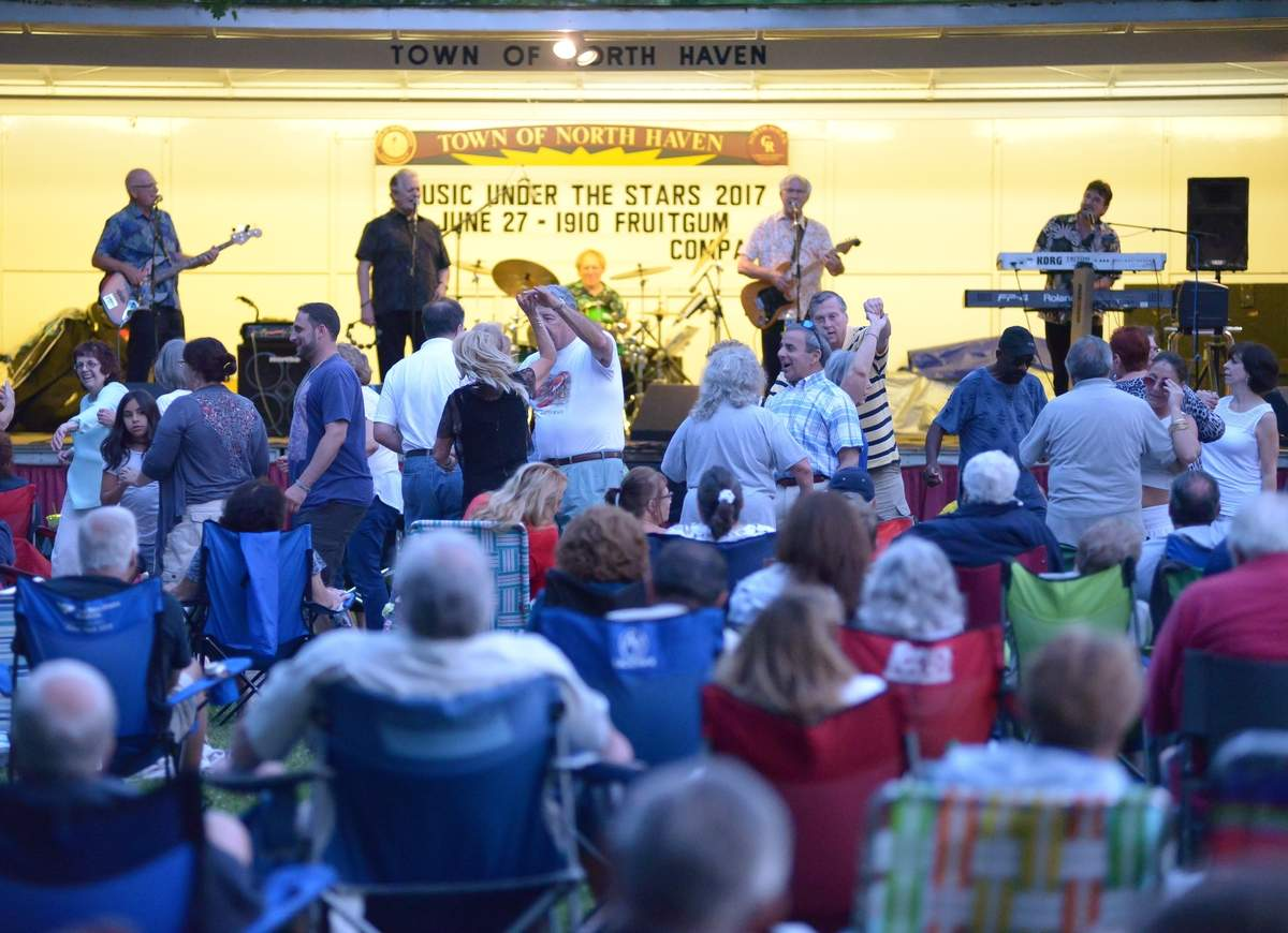 North Haven's Music Under the Stars series  featured 1910 Fruitgum Company.