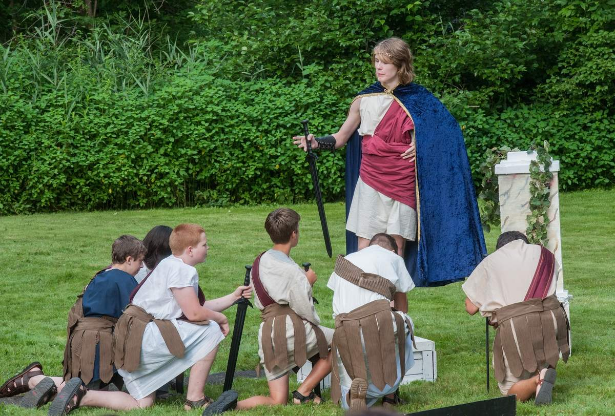 The Shoreline Actors Collective, advanced acting troupe at Kids Konnection Theater Academy and the Clinton Historical Society hosted William Shakespeare's Julius Caesar for their seventh annual Shakespeare in the garden production.  A gathering of Roman citizens.