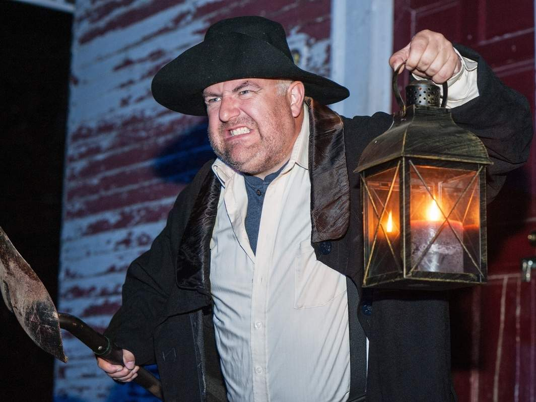 Artful Living Holds Sleepy Hollow Lantern Tour