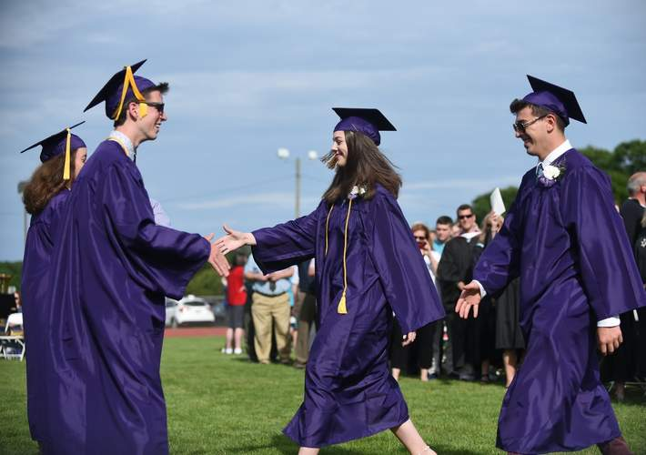Valedictorian Finian McGannon and Salutatorian Sara Farnoli greeted their classmates as they processed. Photo by Kelley Fryer/Harbor News