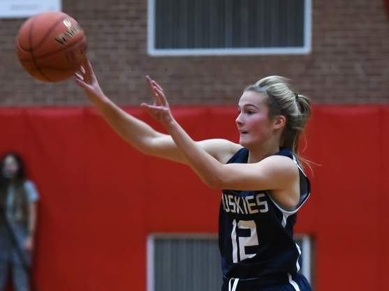 Junior captain point guard Catie Donadio and the Morgan girls' basketball team picked up a 47-29 win over Old Saybrook on Jan. 14. Donadio had a big night by posting 14 points, nine rebounds, eight assists, eight steals, and a block in the victory. File photo by Kelley Fryer/Harbor News
