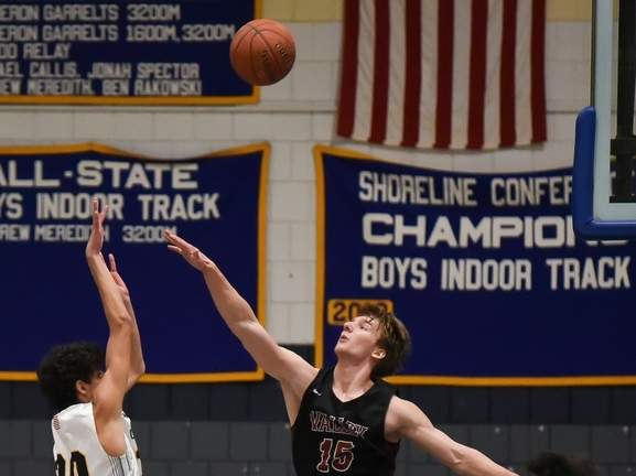Cade Ensinger and the Valley Regional boys' basketball team netted two more wins last week and are now on a 10-game win streak. File photo by Kelley Fryer/The Courier