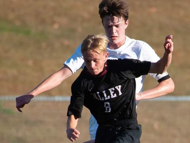 Junior Jake Burdick and the Valley Regional boys' soccer squad earned a win and a loss in their final two games of the regular season. File photo by Kelley Fryer/The Courier